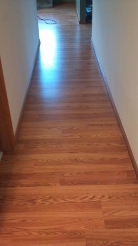 Laminate Flooring Laying Laminate Flooring In Hallway